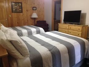 Alyssas Motel Maine Champagne Room